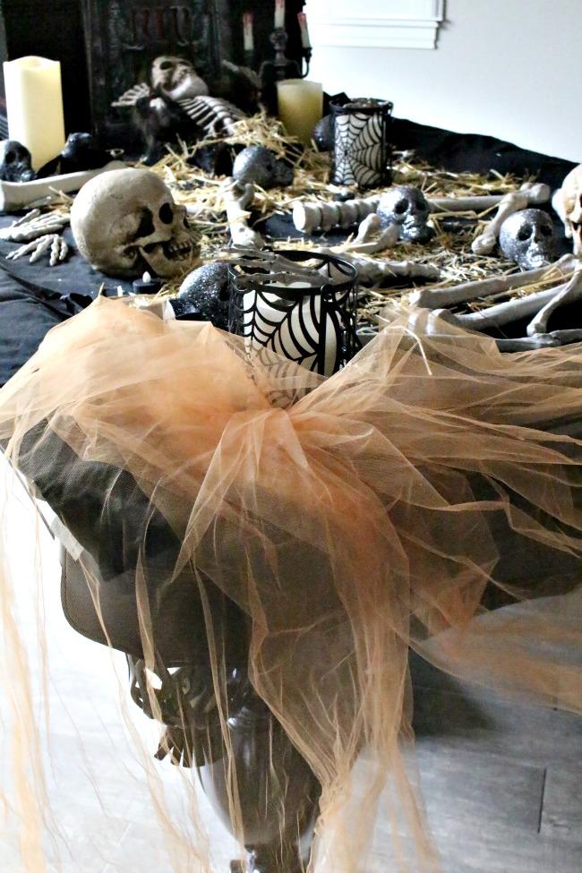 Eerie Halloween decorating