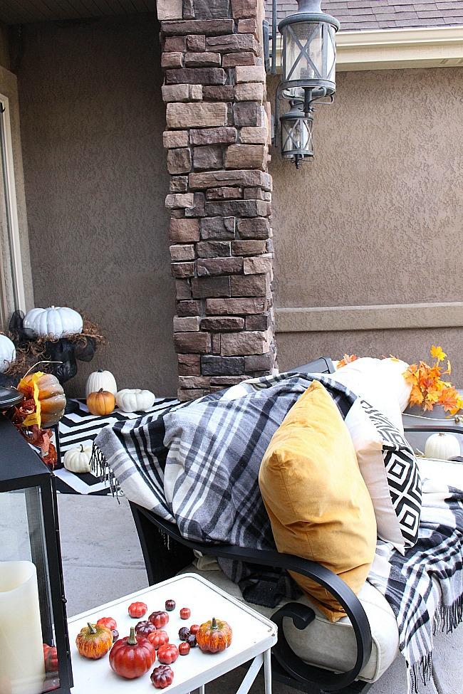 fall-porch-40