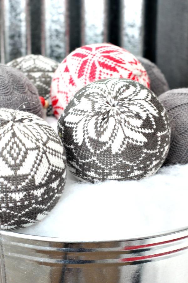 Boy-Bedroom-Christmas-ornaments-snowflake