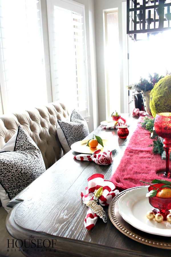 Christmas-tablescape-gold-red-3