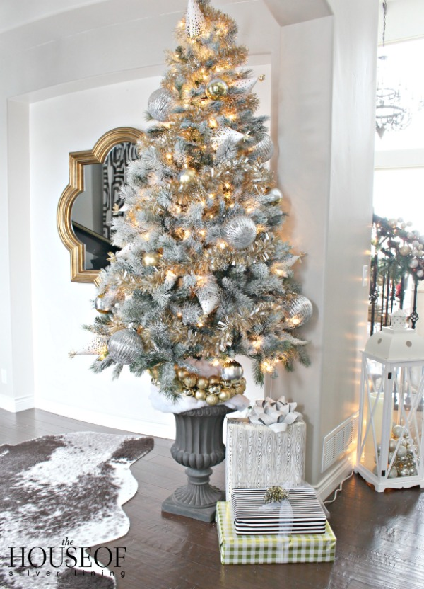 The party hat christmas tree the house of silver lining for Gold christmas tree lights