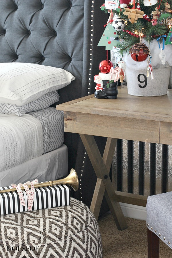 Industrial-bedroom-kid-boy-corrugated-sheet-metal-Christmas