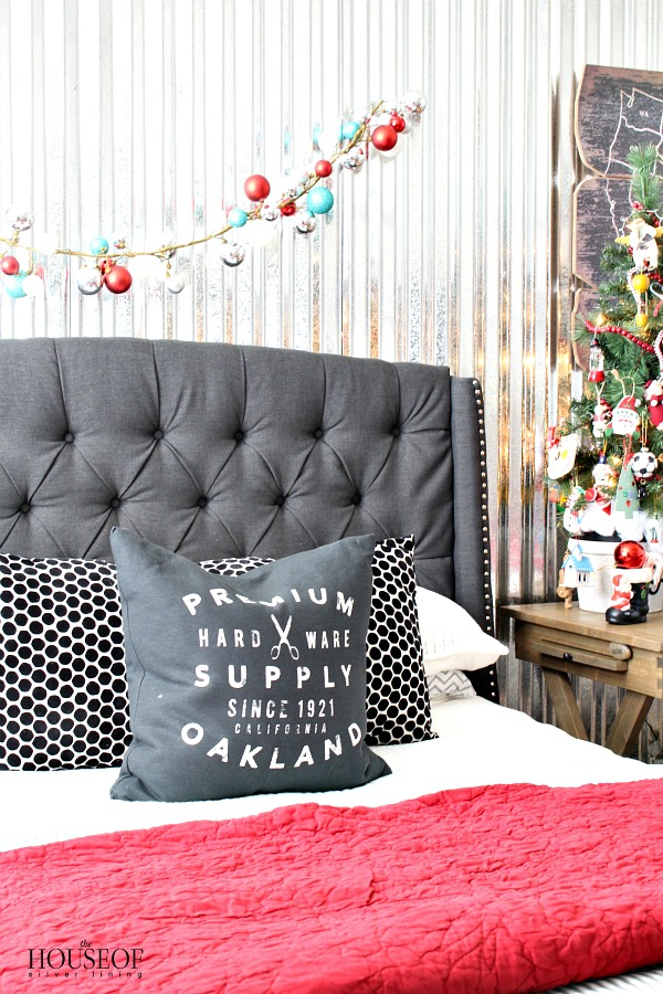 Industrial-boy-bedroom-Christmas-1