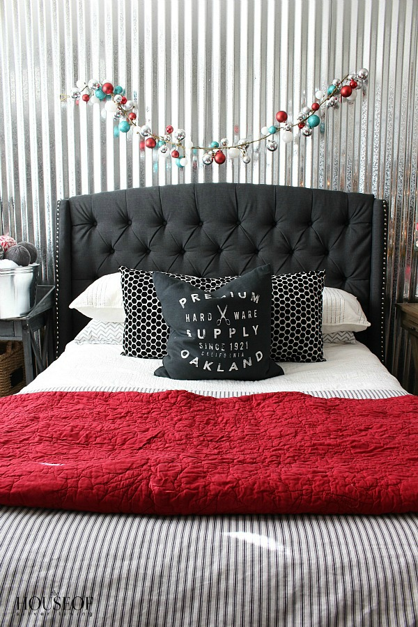Industrial-boy-bedroom-Christmas-ideas