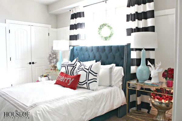 be-my-guest-for-christmas-bedroom-navy-black-white