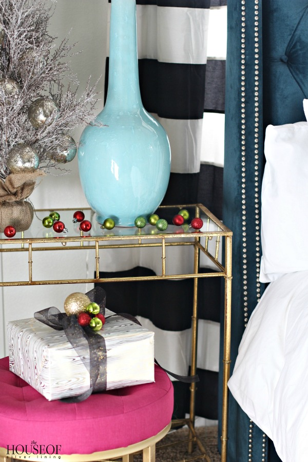 be-my-guest-for-christmas-navy-bed