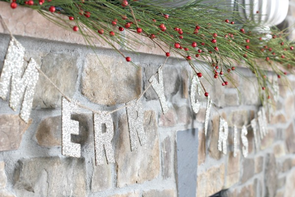 christmas-home-tour-glitter-garland