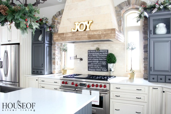 christmas-tour-kitchen-3