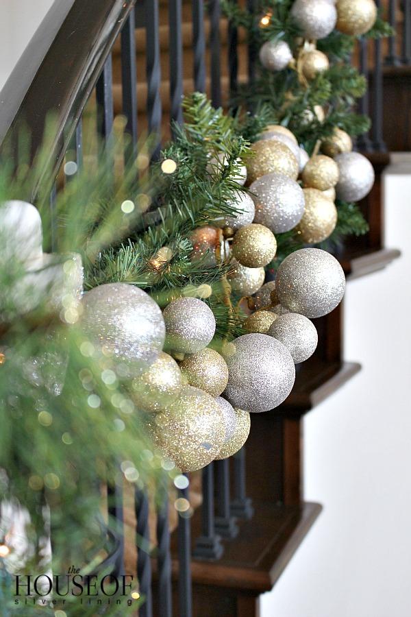 christmas-tour-living-room-16