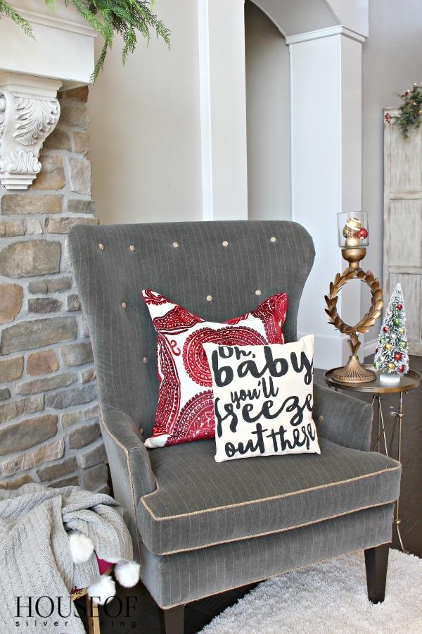christmas-tour-living-room-17