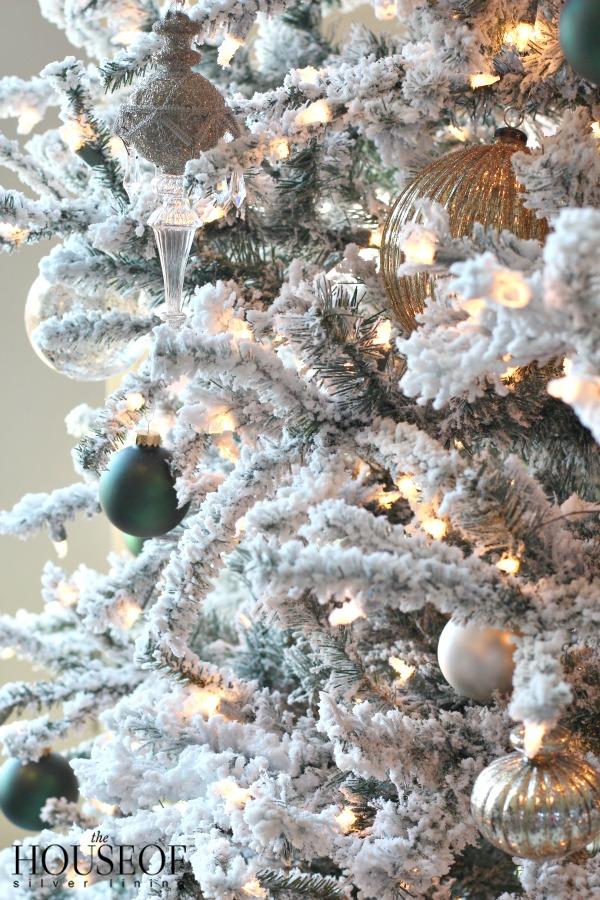 christmas-tour-living-room-2