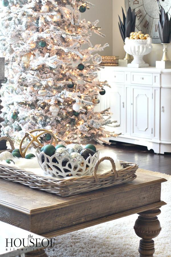 christmas-tour-living-room-6