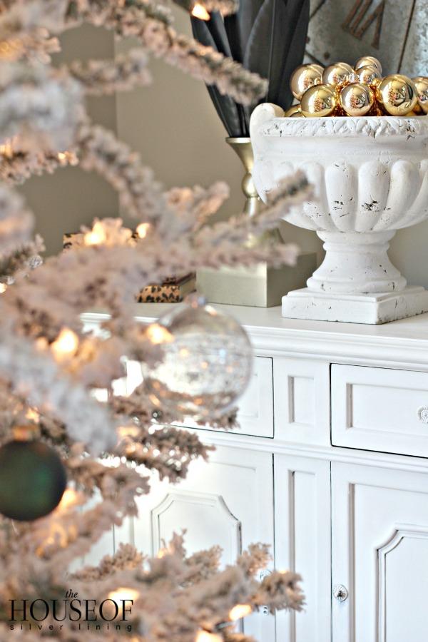 christmas-tour-living-room-7
