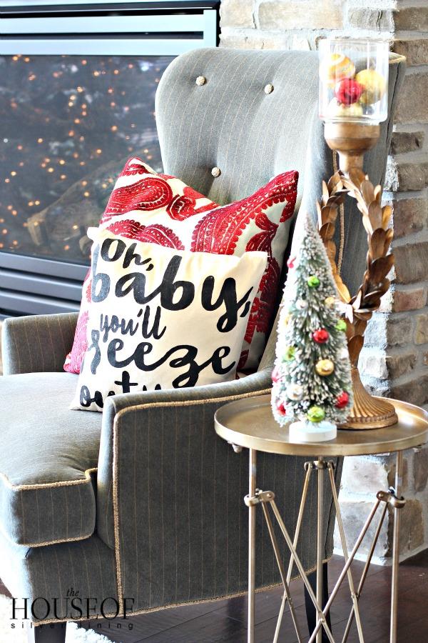 christmas-tour-living-room-8