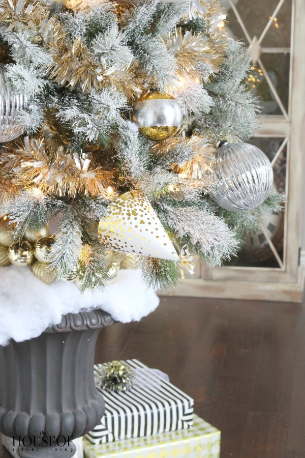christmas-tree-gold-tinsel-4