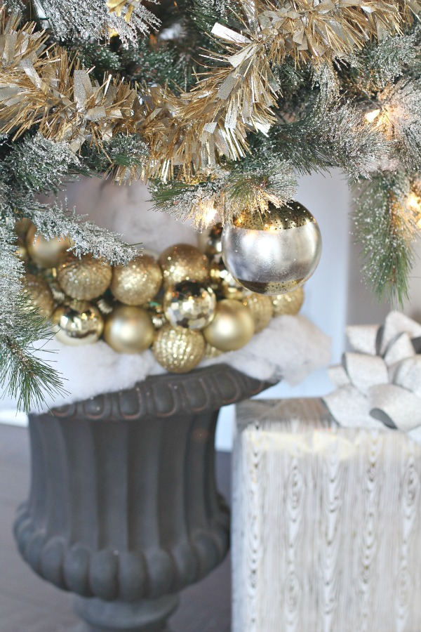 christmas-tree-gold-tinsel-8
