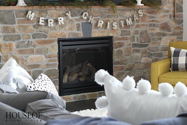 christmas-home-tour-merry-sign
