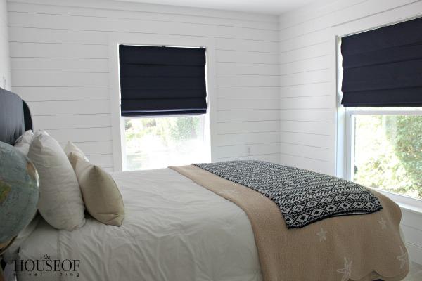 Surf's-up-teen-bedroom