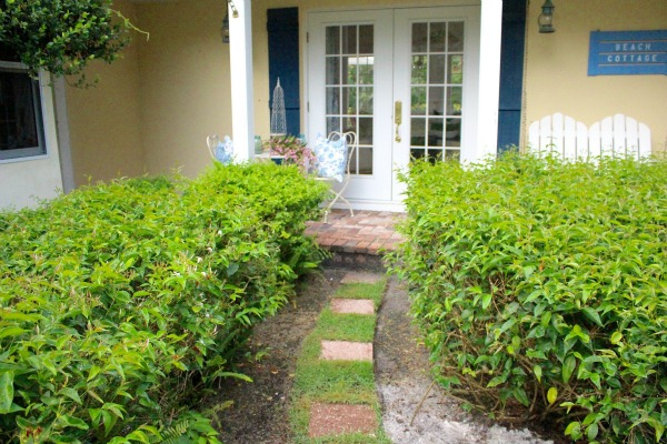 landscape design, curb appeal, beautiful home exterior, landscaping ideas, white and black home
