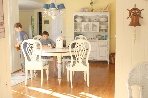 beach-cottage-renovation-reveal-dining-room-1