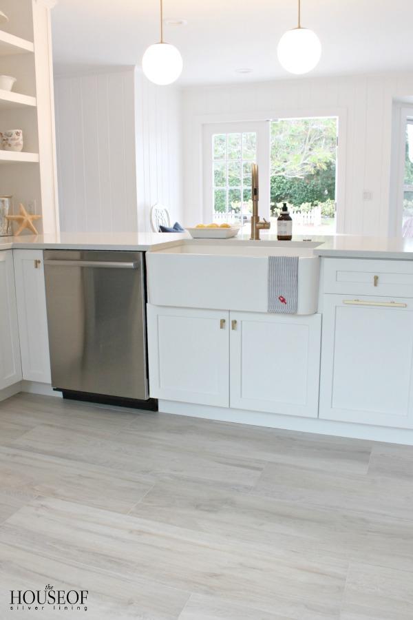 beach-cottage-renovation-reveal-kitchen-28