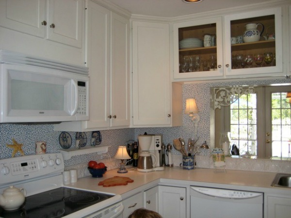 beach-cottage-renovation-reveal-kitchen-4