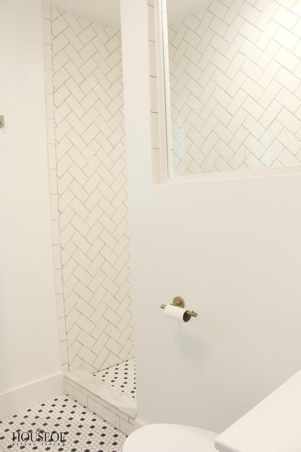 black-and-white-modern-bathroom-10