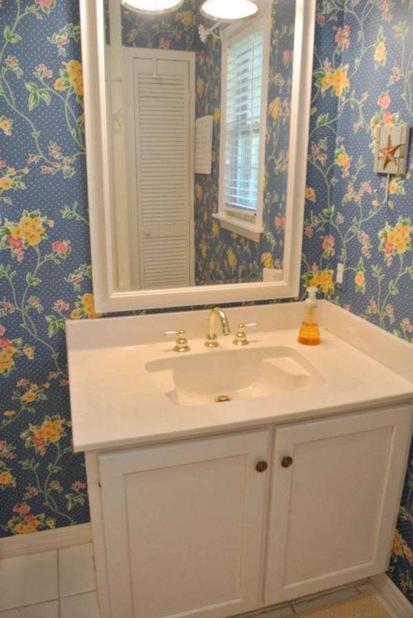 black-and-white-modern-bathroom-29