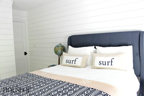 surf's-up-teen-bedroom-8