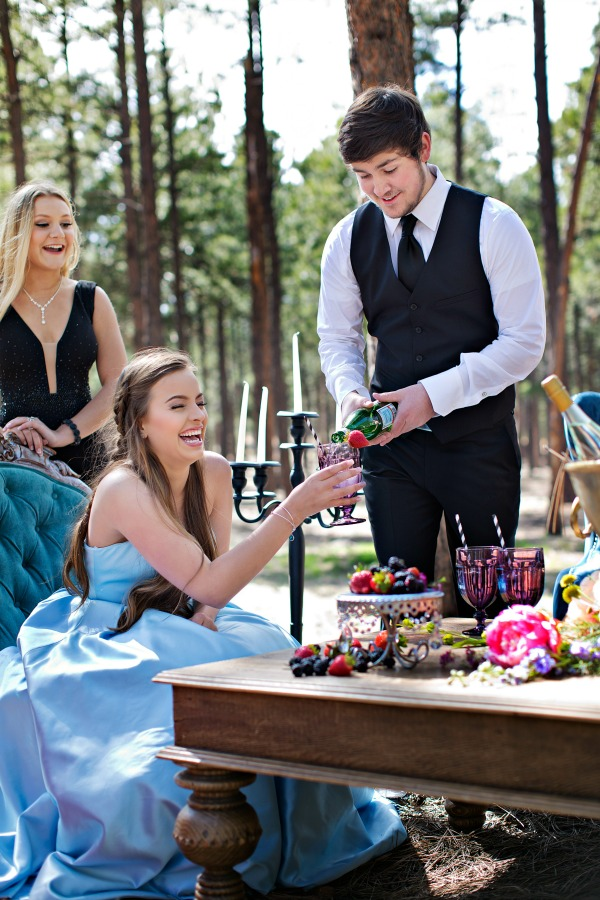 Glam-meets-rustic-the-forest-photoshoot