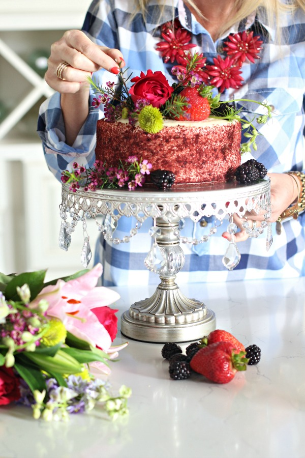 Store-bought-cake-makeover-with-flowers-berries-2
