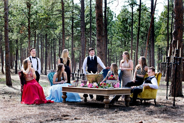 beautiful-glamorous-rustic-photoshoot-in-forest-2