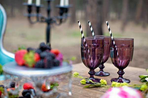 beautiful-tablescape-in-the-woods-3