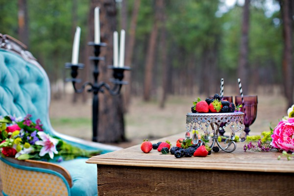 beautiful-tablescape-in-the-woods-7