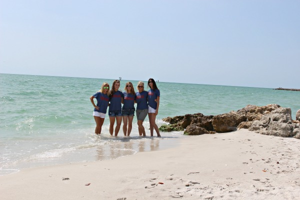 blogger-girl's-trip-at-the-beach-cottage-2