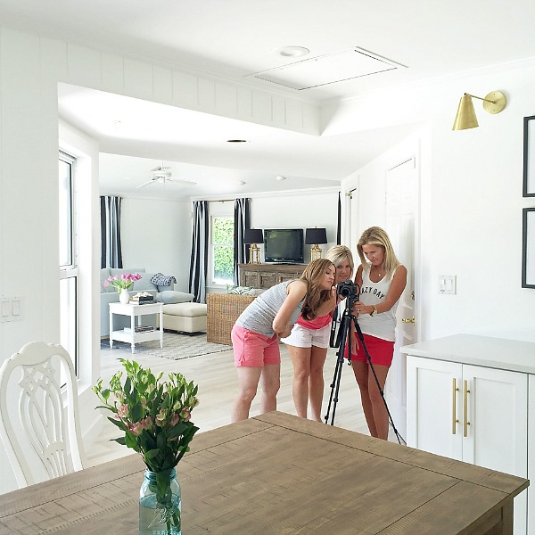 blogger-girl's-trip-at-the-beach-cottage