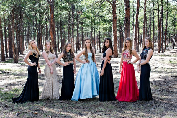 glamorous-formal-dresses-in-the-forest