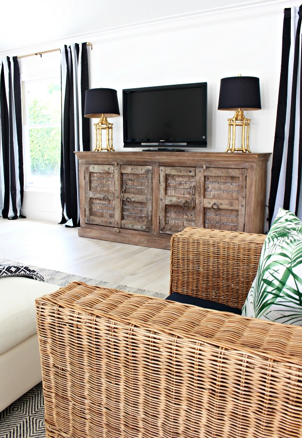 modern-beach-cottage-makeover-family-room-coastal-sideboard