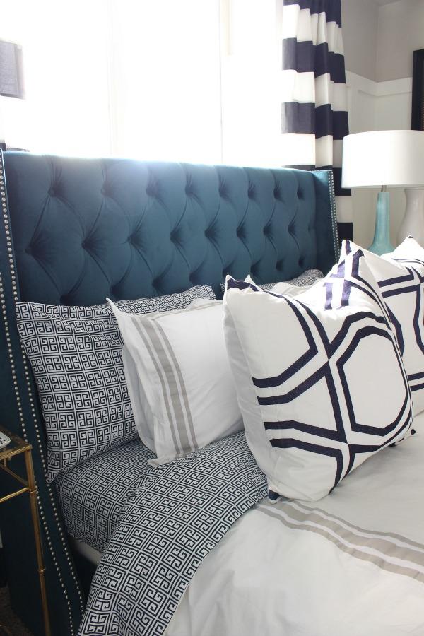 peacock-blue-velvet-tufted-upholstered-bed