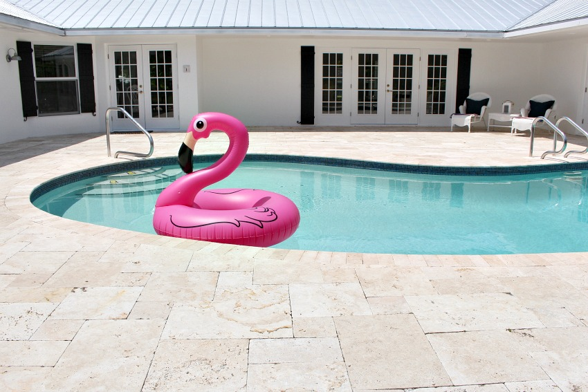 styling-an-outdoor-pool-oasis