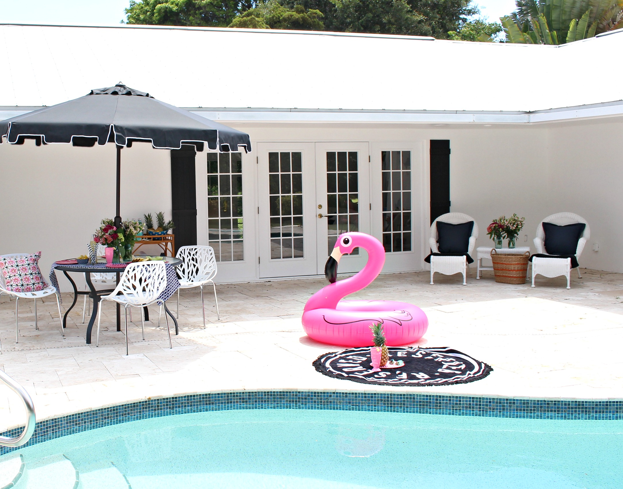 retro-black-and-white-florida-pool-patio