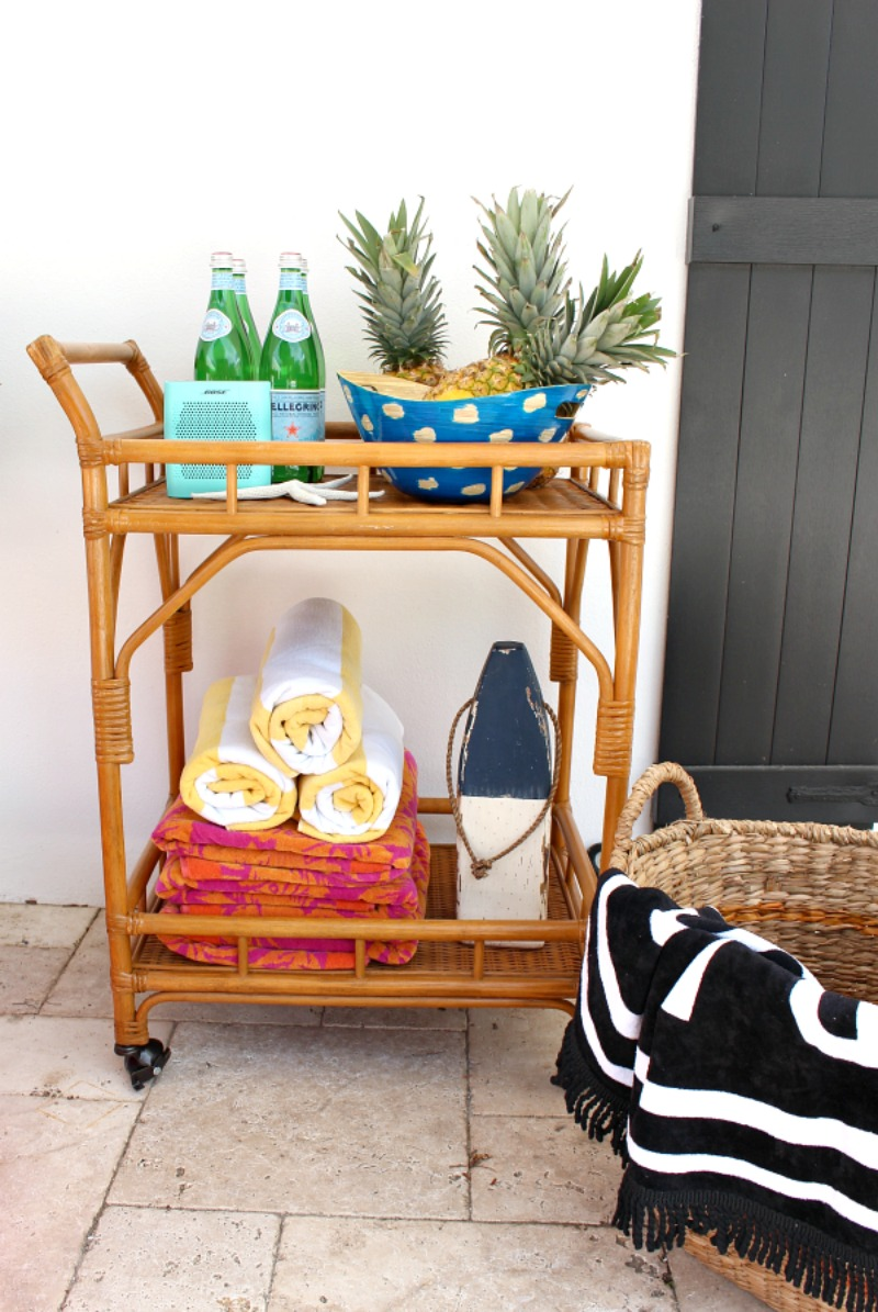summer-patio-tour-bar-cart