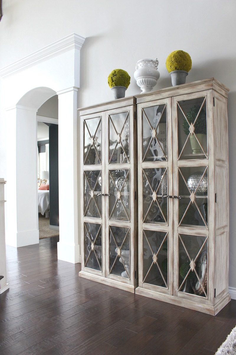 Dining Room Furniture With Curio Cabinet