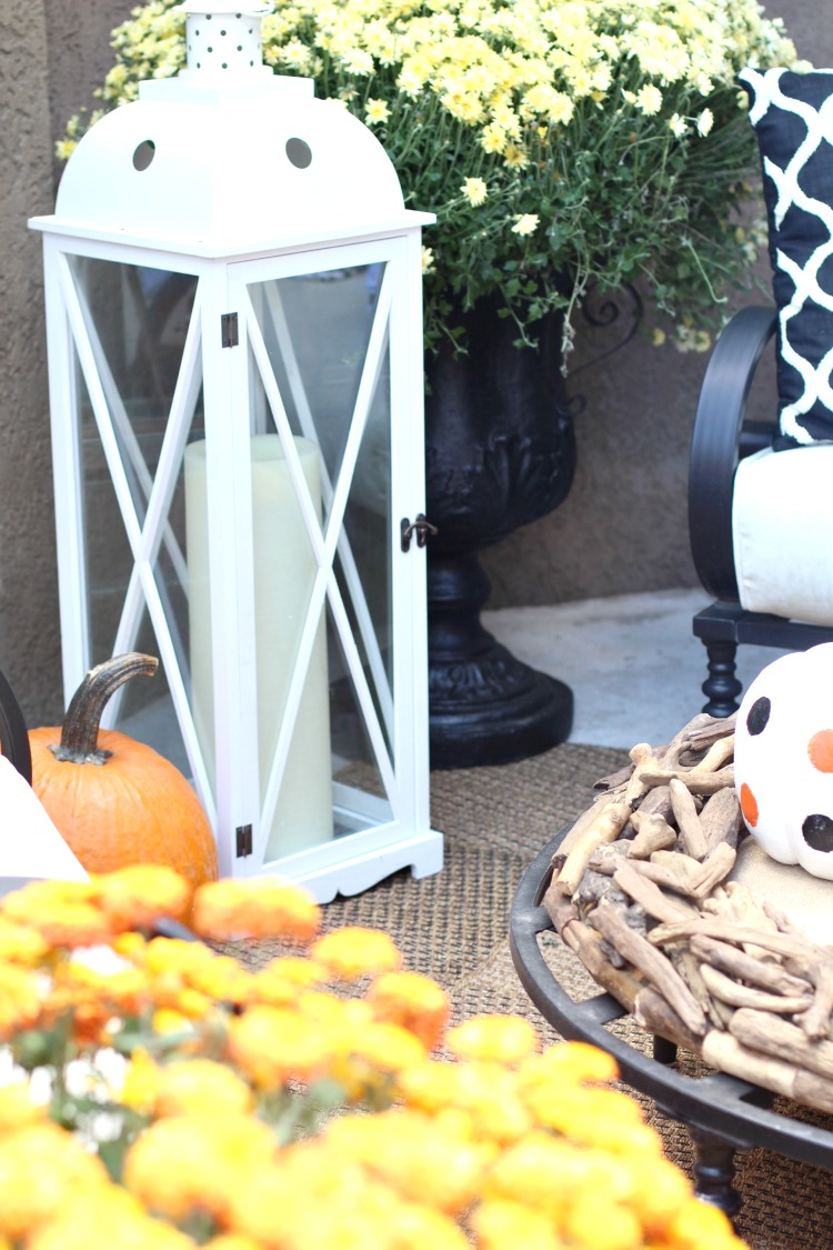 beautiful-fall-decorating-fall-patio-5
