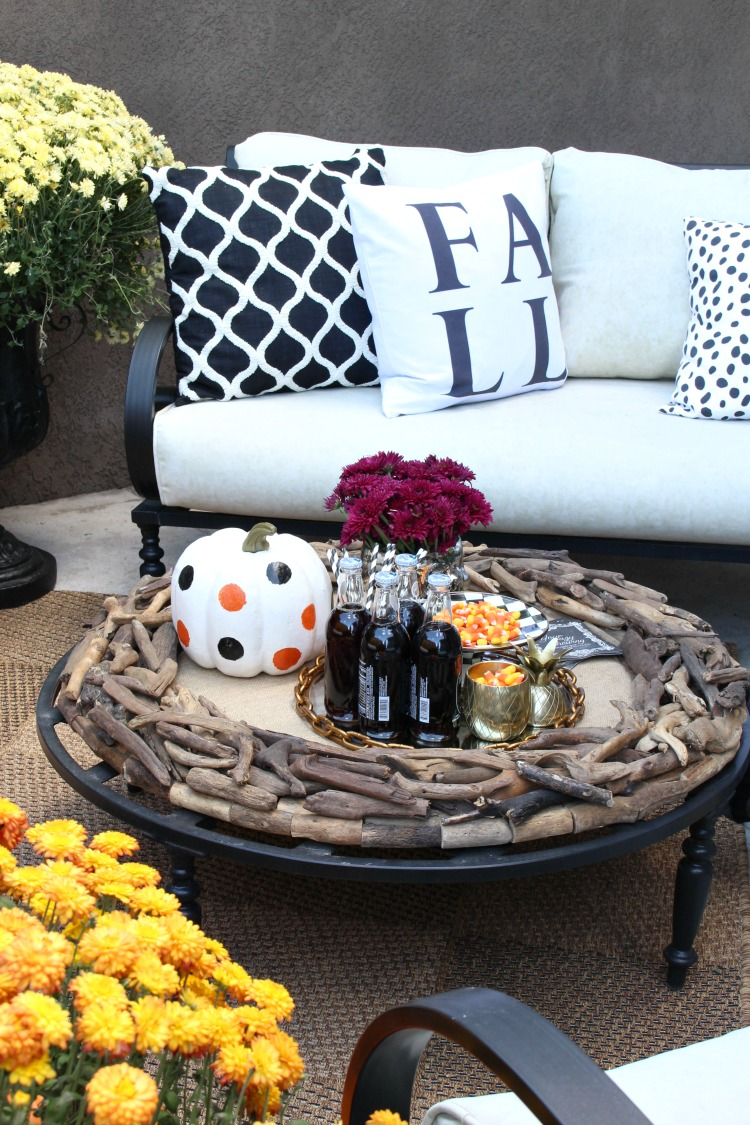 beautiful-fall-decorating-fall-patio-7