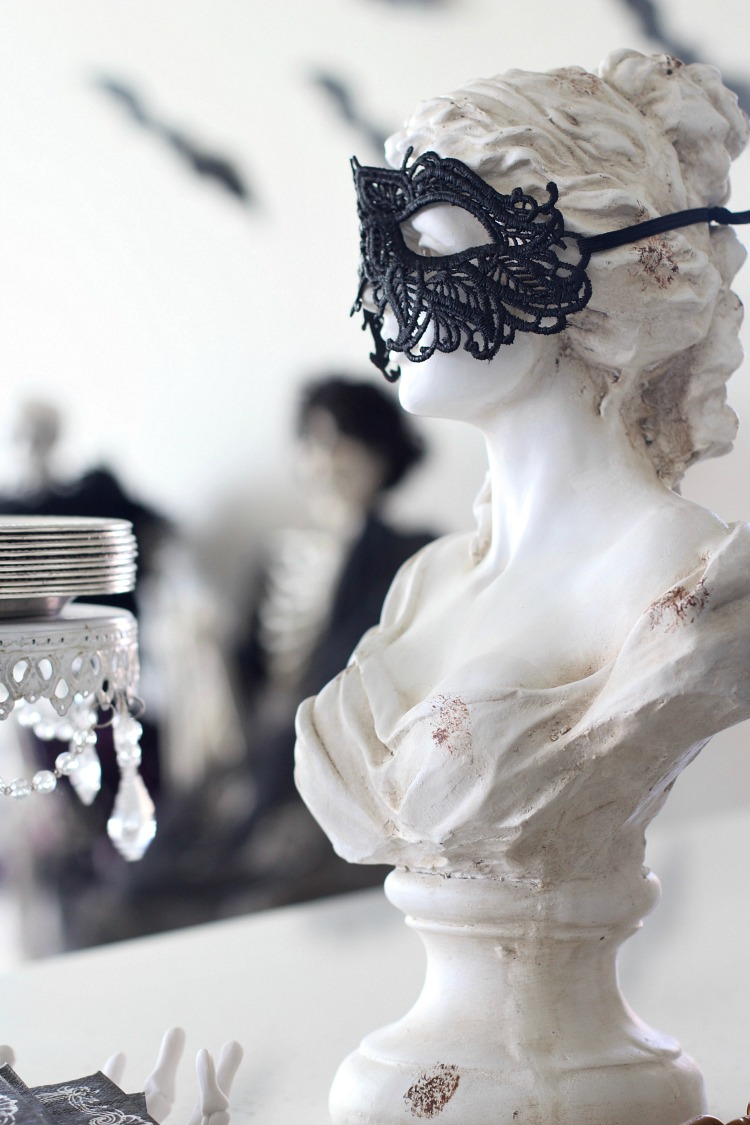 A Hauntingly Beautiful Halloween Bash - The House of ...