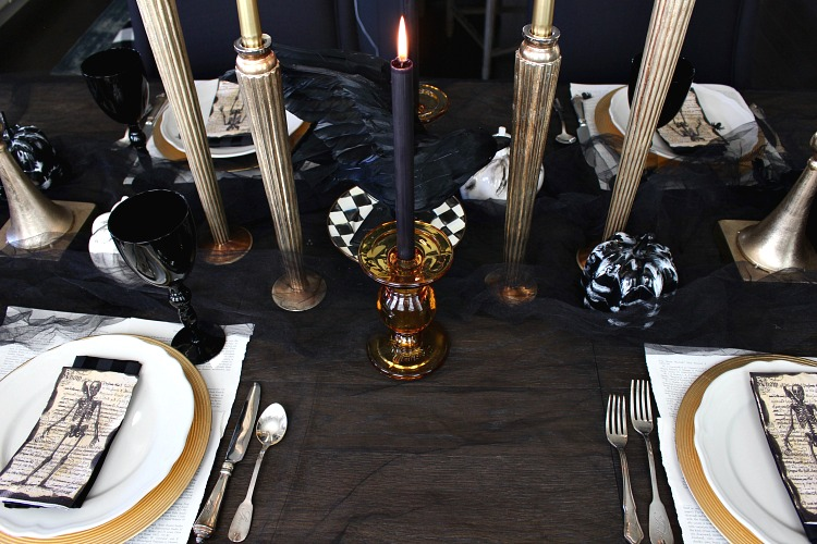 elegantly-spooky-halloween-table-11