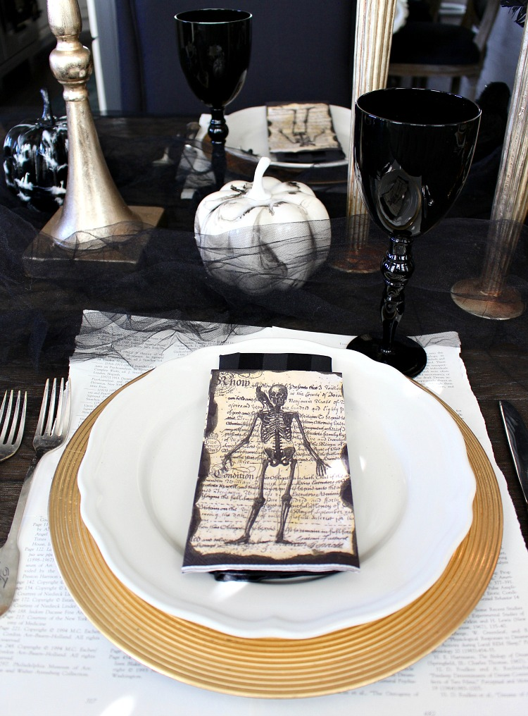 elegantly-spooky-halloween-table-12