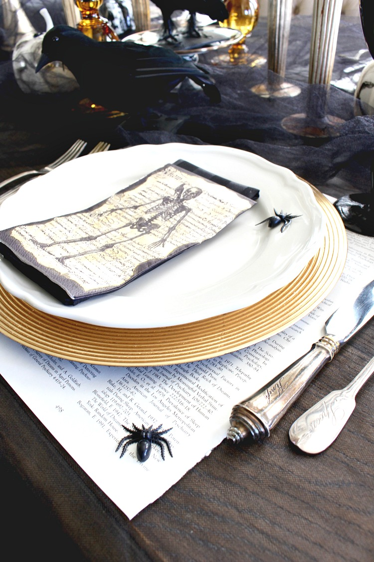 elegantly-spooky-halloween-table-13