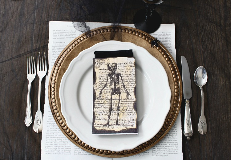 elegantly-spooky-halloween-table-4
